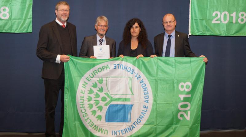 Der bayerische Umweltminister ehrt 118 Umweltschulen